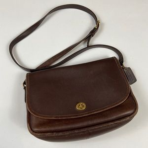 Vintage Coach Leather Legacy Turnlock Flap Purse